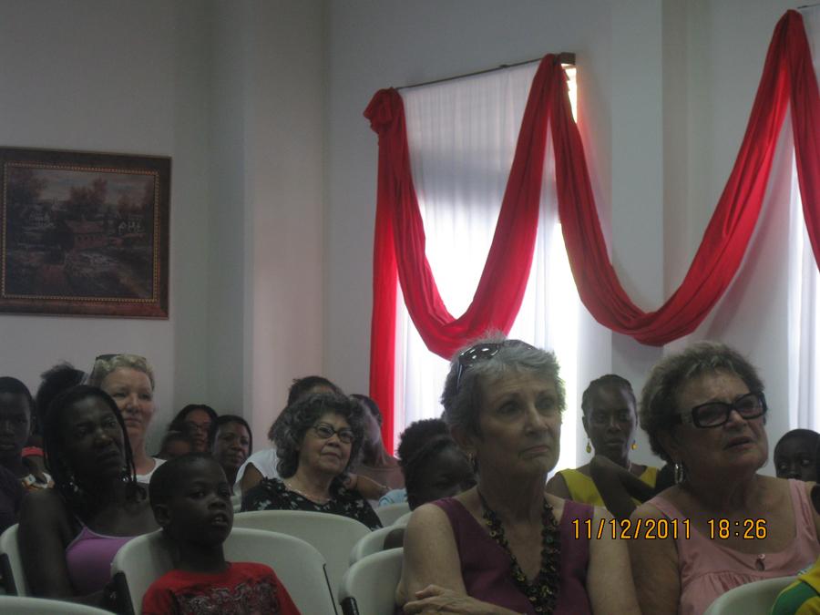 audience-listening-to-childrens-author-david-elliott-2011