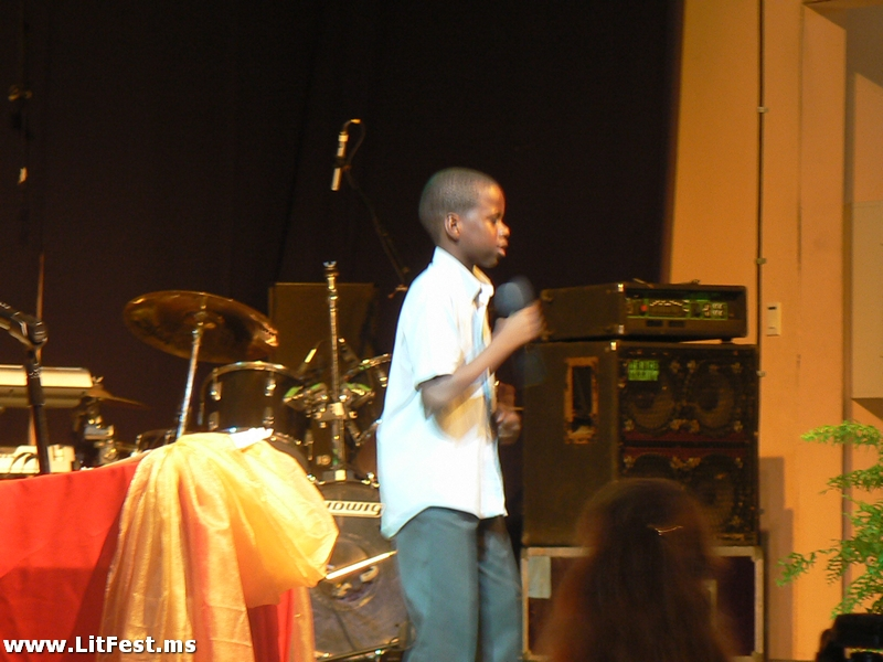 khari-irish-performing-at-opening